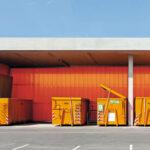 Pracovník recyklačného strediska Ref, 2-DE